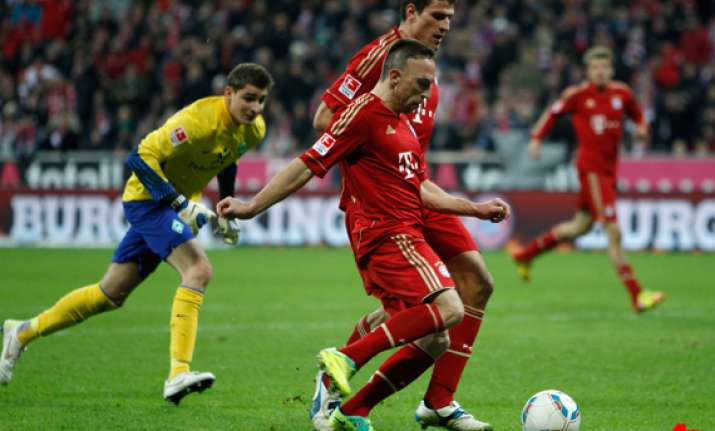 bayern overcomes ribery red to beat cologne 3 0