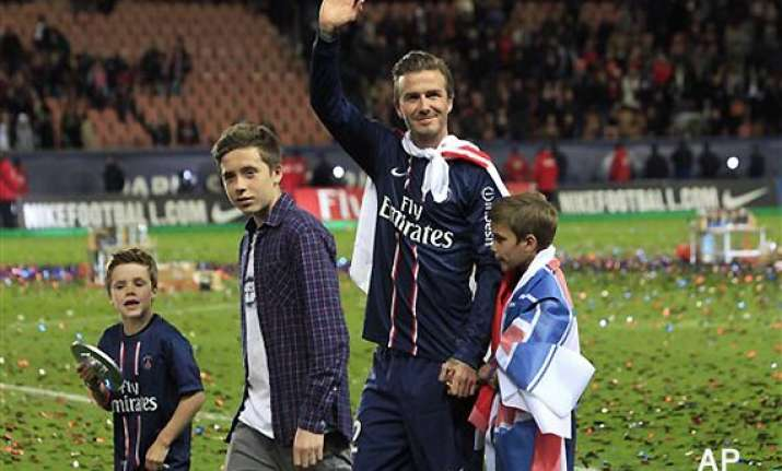 beckham retires from soccer walks off in tears after last