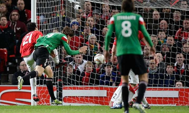 bilbao stuns manchester united 3 2 in europa league