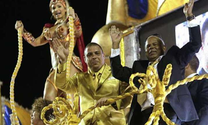 carnival parade pays tribute to the ronaldo prior to world