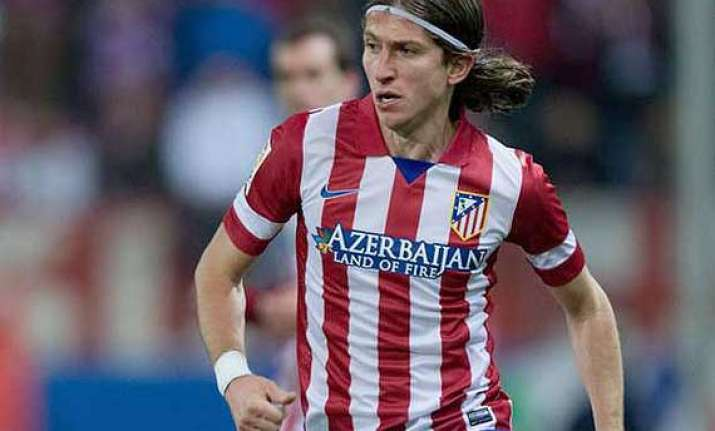 chelsea signing filipe luis from atletico madrid