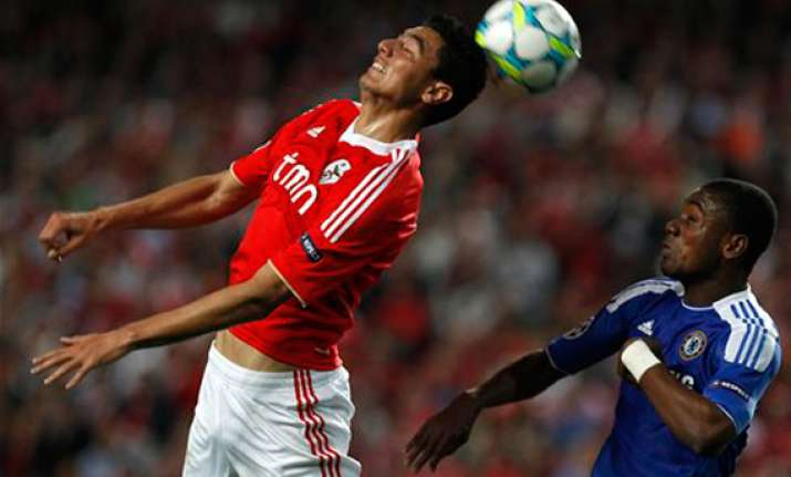 chelsea wins 1 0 at benfica in champions league