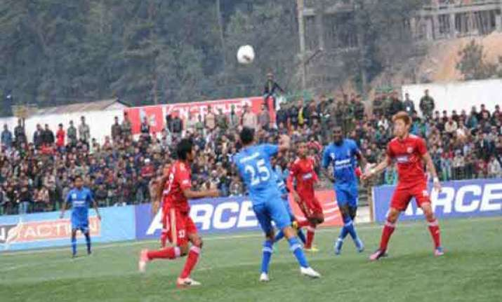 churchill brothers lost to lajong in i league