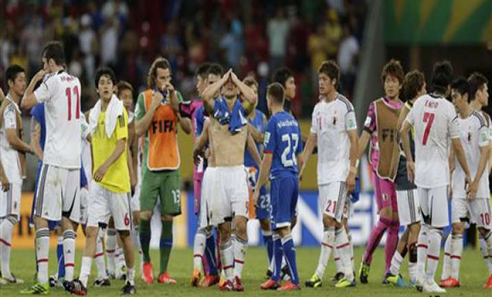 confederations cup japan gives italy a scare lose 3 4