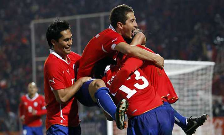 copa chile edges peru to top group c