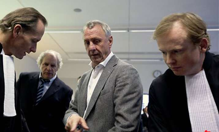 cruyff in court over van gaal s ajax appointment