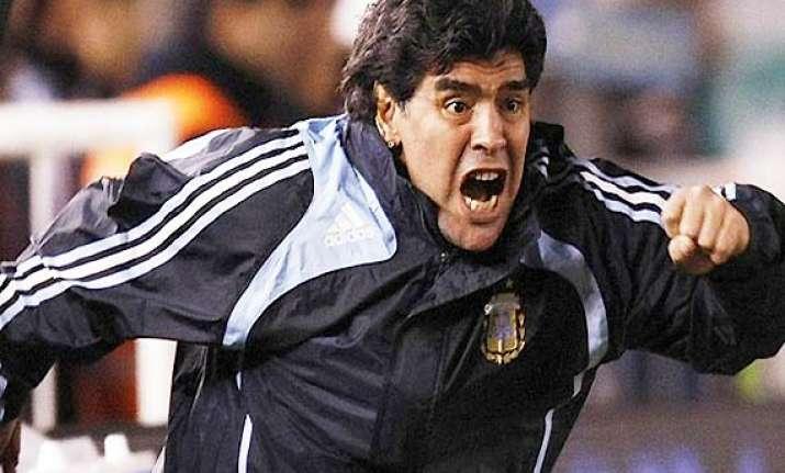 diego maradona lashes out at rival al ain coach