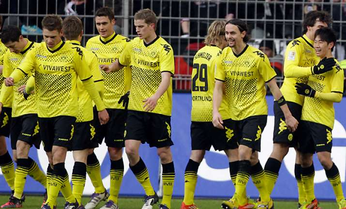 dortmund bayern munich both win in bundesliga