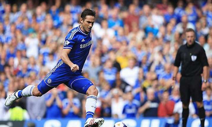 epl lampard scores from superb free kick as chelsea beats