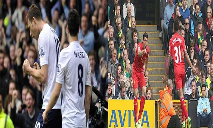 epl title race appears to be down to man city liverpool