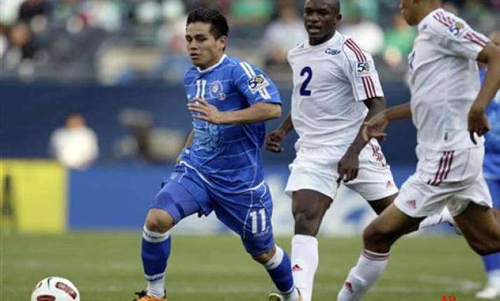 el salvador scores 6 1 win over cuba in gold cup