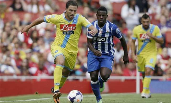 emirates cup porto recovers to beat napoli
