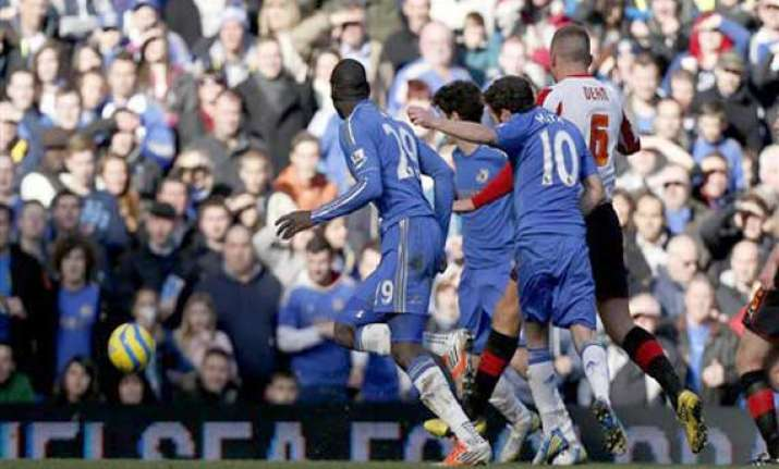 english fa cup 4 goal wins for chelsea man city wigan