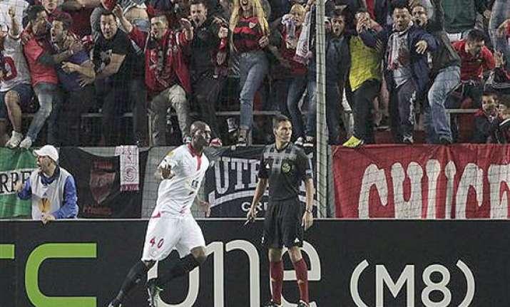 europa league sevilla takes 2 0 lead against valencia in