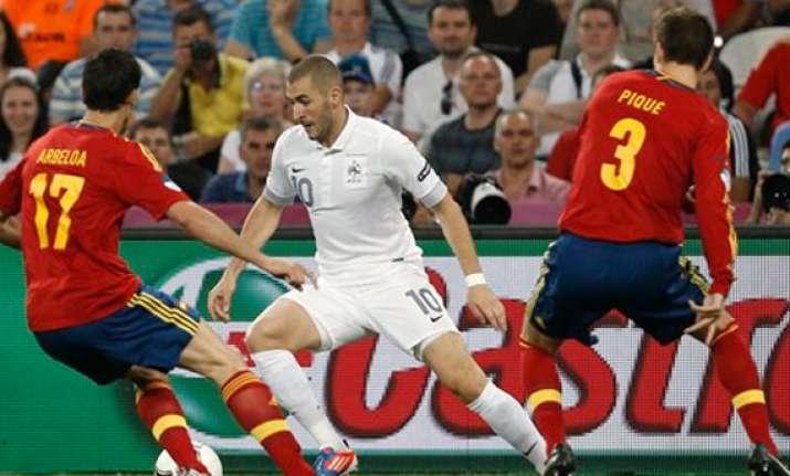 eusebio returns home after euro 2012 health scare
