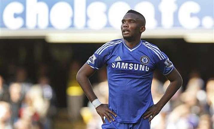 everton signs striker samuel eto o on 2 year deal