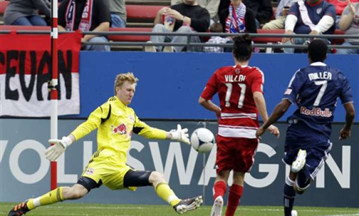 fc dallas beats new york 2 1 in opener