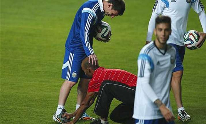 fifa world cup fans invade pitch at argentina training