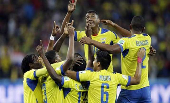 fifa world cup ecuador comes from behind to beat honduras 2