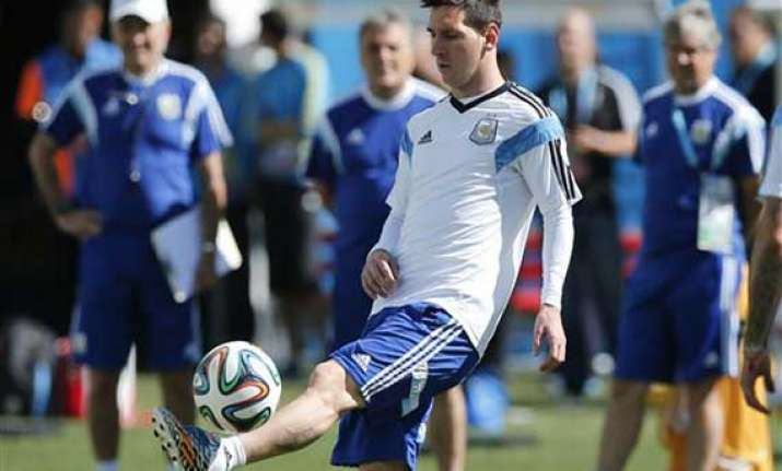 fifa world cup messi back in action us vs belgium
