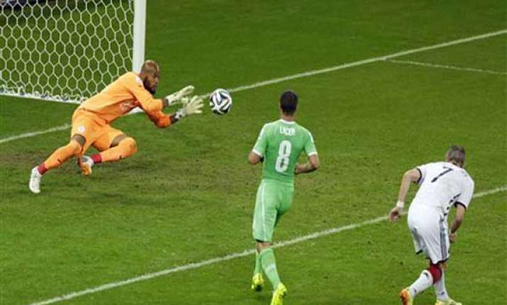 fifa world cup goalkeeper shines for algeria in world cup