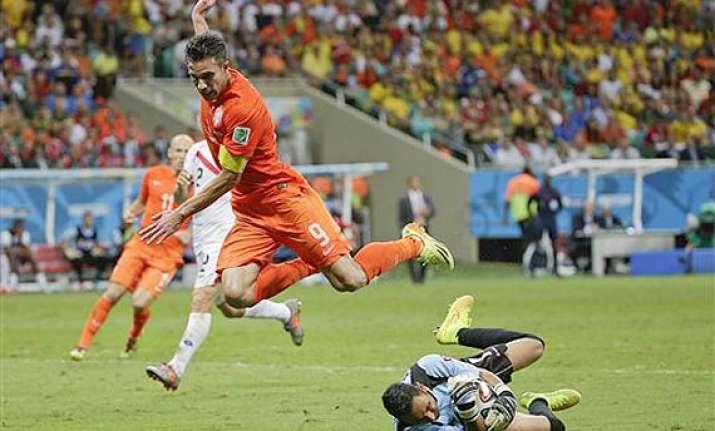 fifa world cup navas keeps netherlands scoreless at halftime