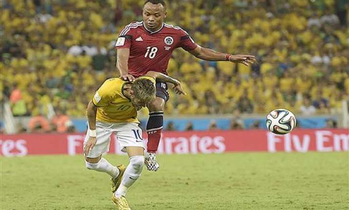 fifa world cup juan zuniga apologizes to neymar for tackle
