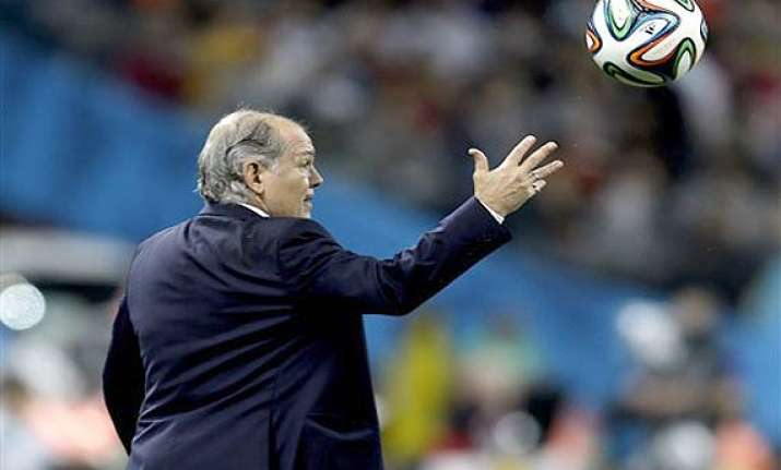 fifa world cup argentine coach to step down after final