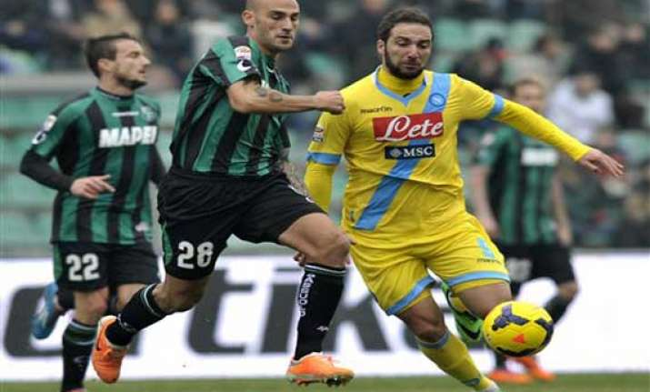 fiorentina snatches 2 2 draw at parma in serie a