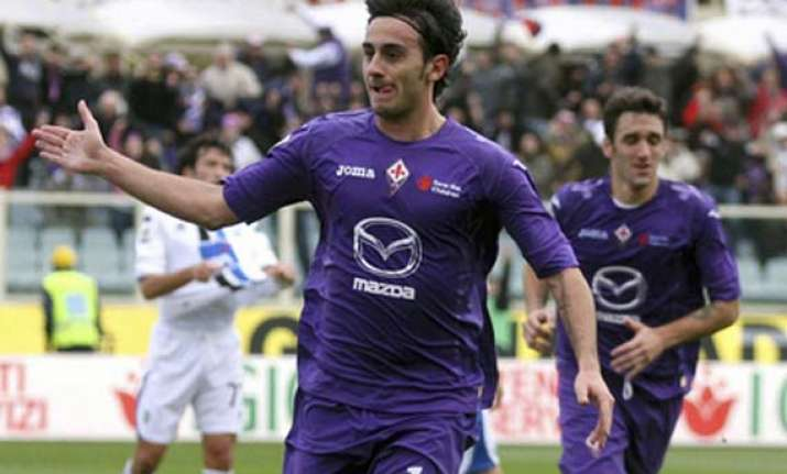 fiorentina wins 5th straight inter draws at home