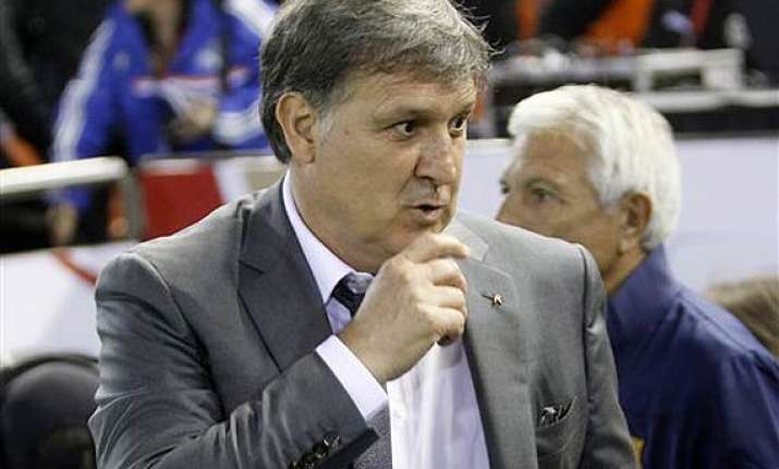gerardo martino hopes to remain barcelona coach