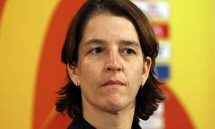 head of women s game for fifa backs us pro league
