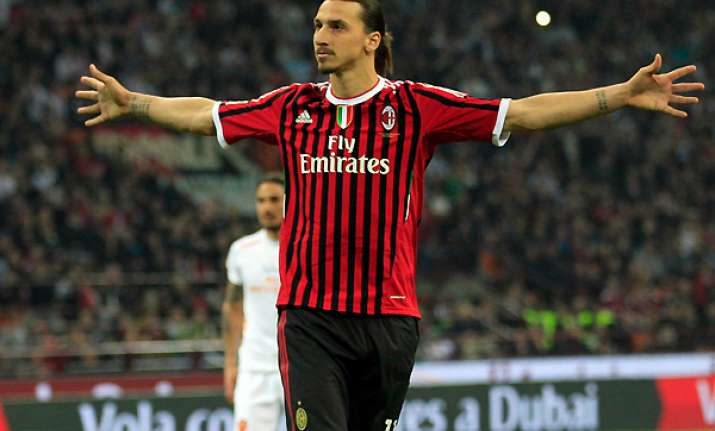 ibrahimovic scores late winner against roma