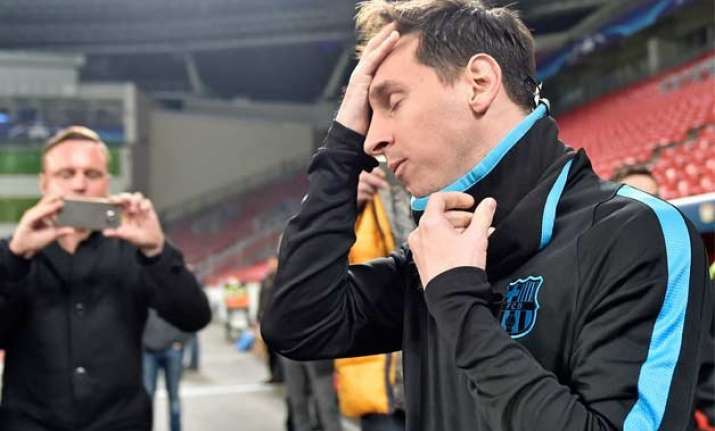 lionel messi to undergo tests for kidney problems barcelona