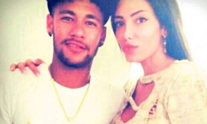 neymar falls for stunning model soraja vucelic sends jet to