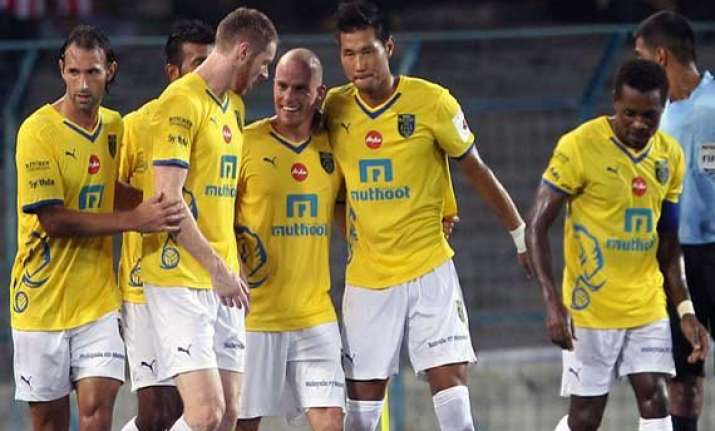 isl kerala down pune 2 1 register first win
