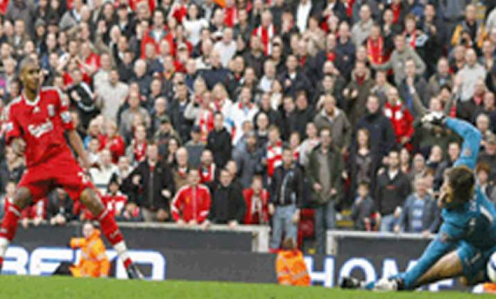 liverpool beats manchester united 2 0 in english premier