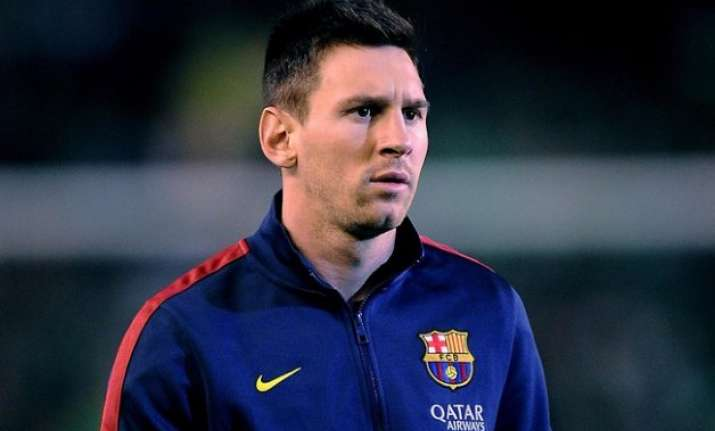 lionel messi denies rumours of rift with club