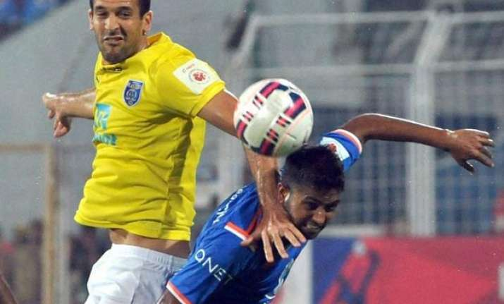 fc goa beat kerala blasters take top spot