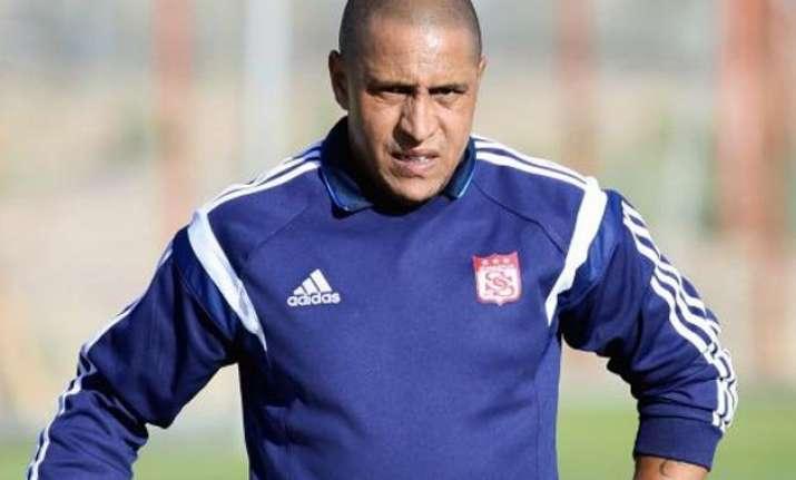 roberto carlos to manage delhi team in indian super league