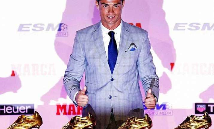 cristiano ronaldo receives record fourth golden boot