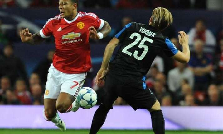 memphis depay double rescues manchester united in 3 1 win