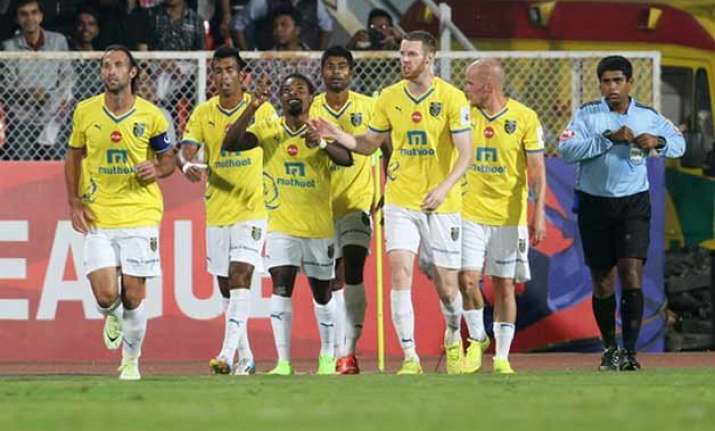 isl 2015 41 indian players retained 23 signed from open