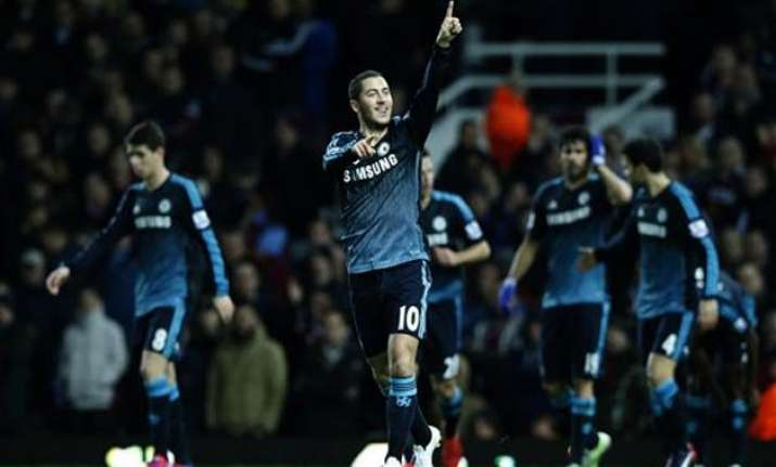 chelsea maintains 5 point lead as top 5 all win in epl