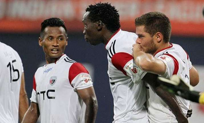 isl northeast united stun 9 man mumbai 2 0