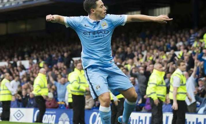manchester city beats everton 2 0 for 3rd straight league