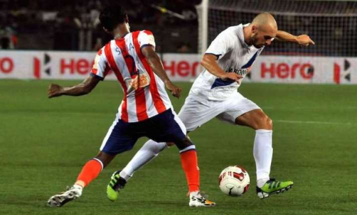 isl mumbai city fc keep hopes alive beating atletico de