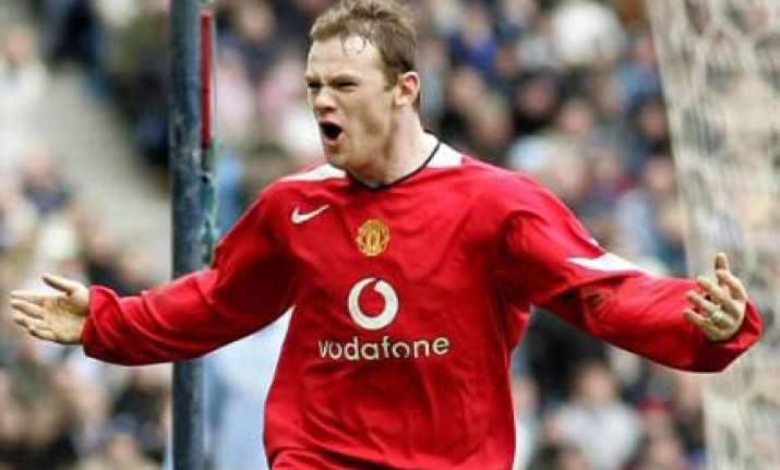 wayne rooney agrees five year contract with manchester