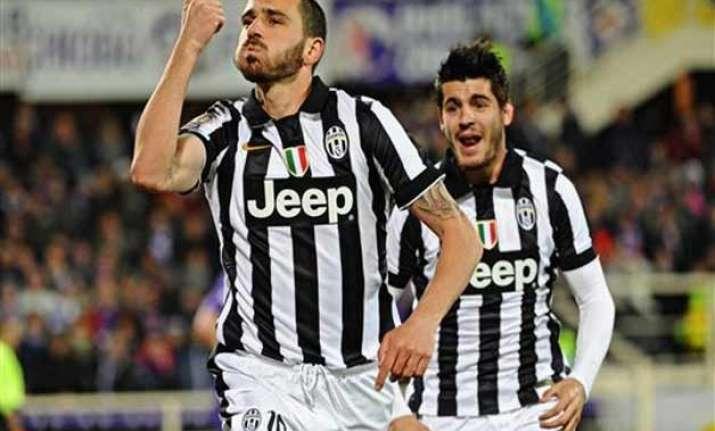 juventus beats fiorentina 3 0 to reach italian cup final