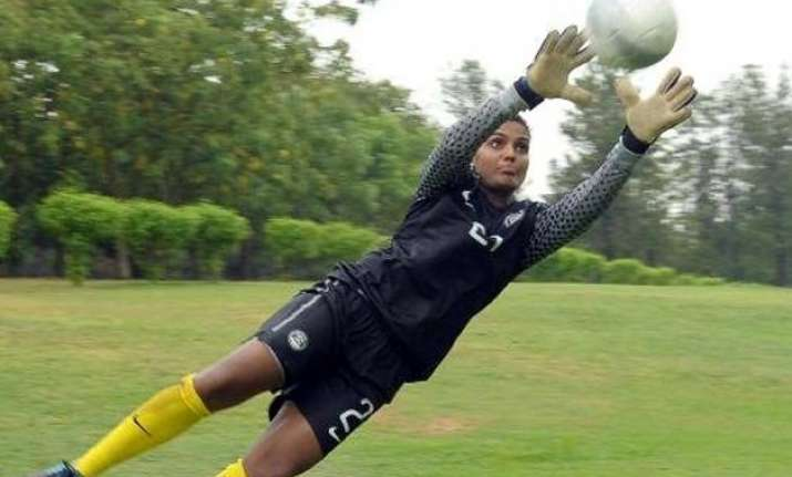 indian female footballer signed up by epl club west ham